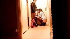 Housewife makes a blowjob to the pizza guy