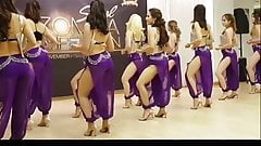 Arabian twerking dance
