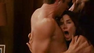 Naked Sandra Bullock goes out of shower and falls