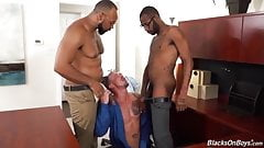 Interracial threesome at wotk
