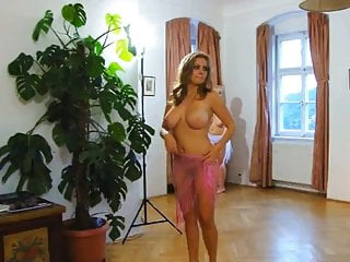 Blond erotic femail Naked women. erotic dance.