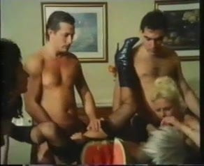 Il-vizio-nel-ventre: Free Vintage Porn Video b9 - xHamster | xHamster