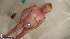 OldNanny Granny have a shower and masturbating