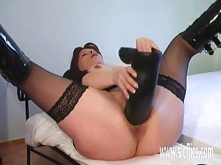 Gigantic amateur penis Gigantic dildo penetrations for her greedy pussy