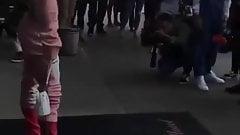 Сосок соски Bella Thorne в обрезанной рубашке и с блестками