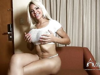 Hung shemale vids Hung shemale ts azeneth with a dildo