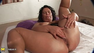 Amateur housewife Wendie dreaming of young cock