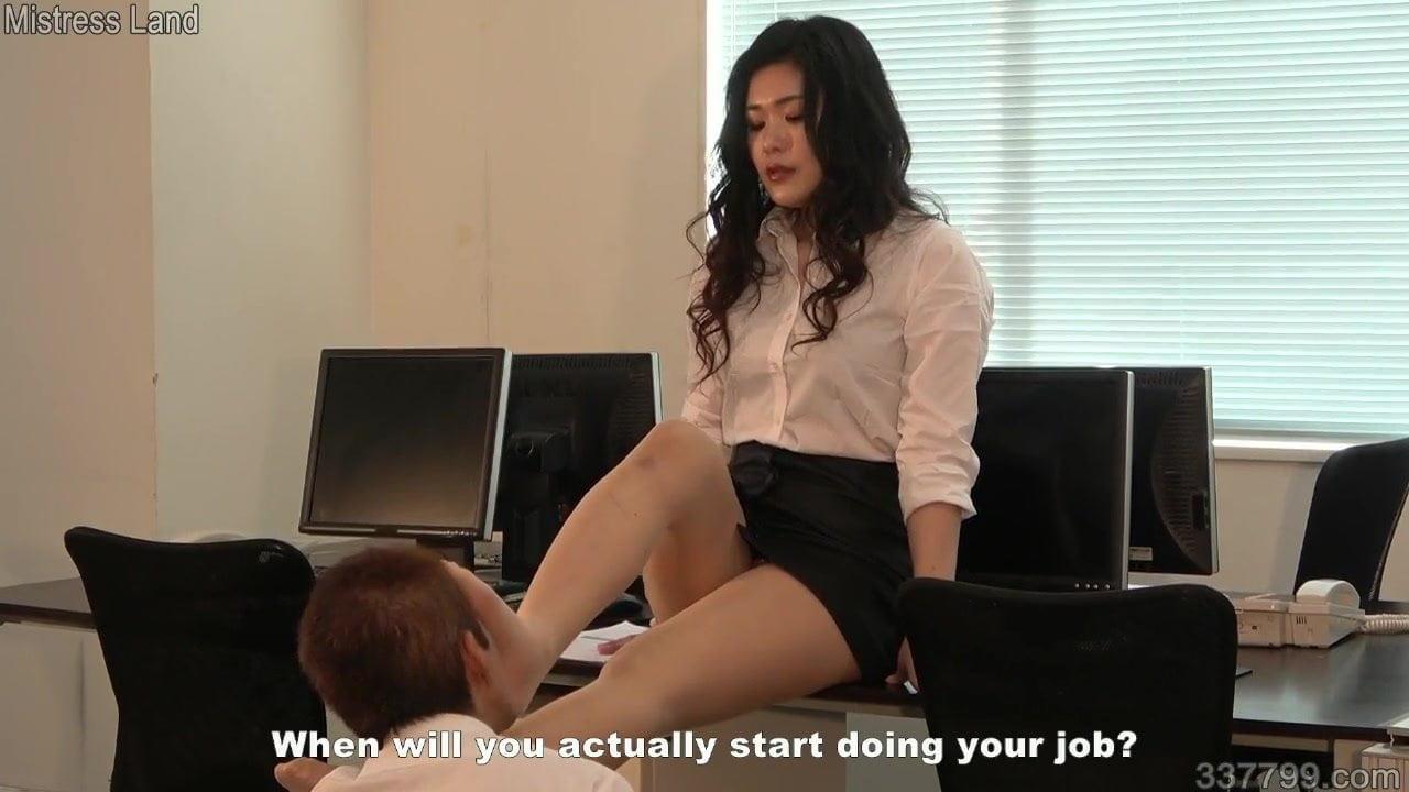 337799 Porn female president foot fetish