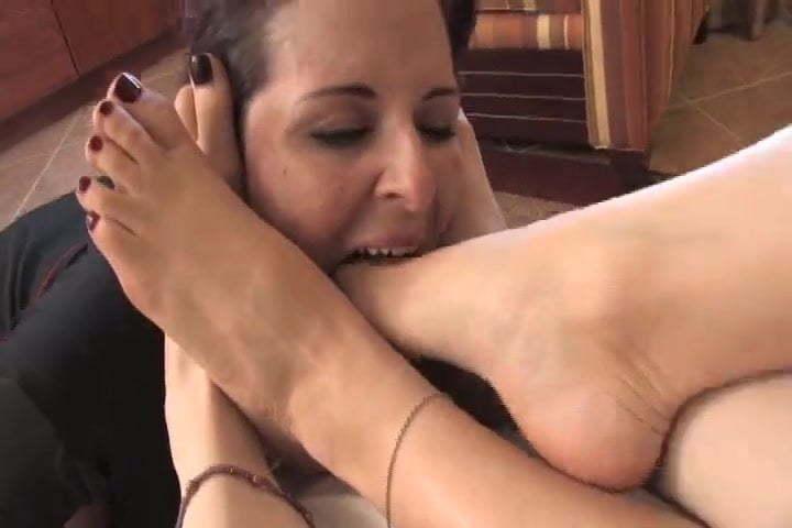 Lesbian Stocking Feet Worship