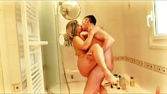 Lisa & Sparrow in the shower