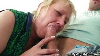 She finds him fucking her stepmom