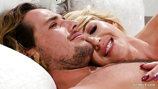 Special Threesome with Kit Mercer & Dixie Lynn