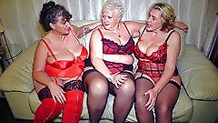 Trzech dużych dojrzałych amatorów