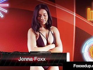 Black swan lesbian kissing scene Ebony tart jenna foxx inked savana styles wrestle naked