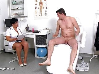 Peeing video sample - Bbw nurse needs soerm sample