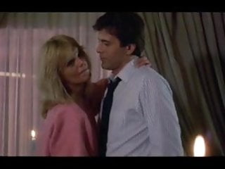 Submissive erotic scene Heartbreakers 1984 threesome erotic scene mfm
