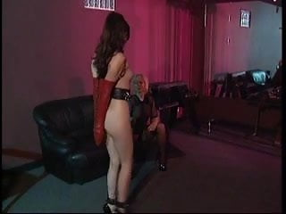 Hentai servant tits Big tits blonde enjoys her brunette servant with small tits