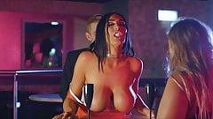 Ava KoXXX In A Bar