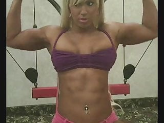 Working at a gym sucks Sexy blond works out at the gym