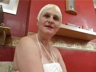 Just hairy nude - Granny just loves that thick cum all over her face