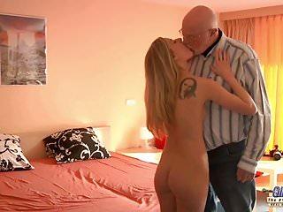 Old man fuking srila nkae lady video