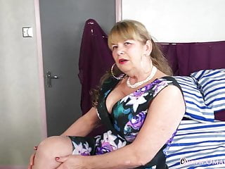 Huge boob grannies - Omageil huge granny boobs solo showoff and toys