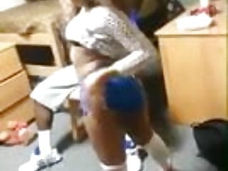 How to hardcore dance Black girl know how to dance 2
