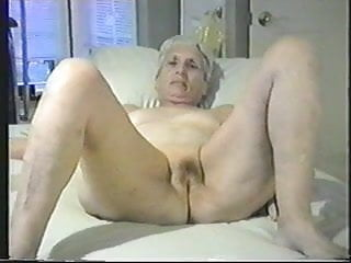 Jack off for her Granny lets you jack off to her pussy.
