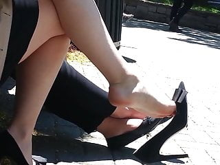 Youtube smoking fetish dangle Candid superb legs feet shoeplay dangling on lunchbreak