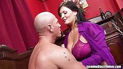 Jasmine Black gets Johnny XL up to enjoy big dick pounding