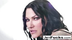 ¡Jenevieve y romi hacen un poco de porno lesbianas juntas!