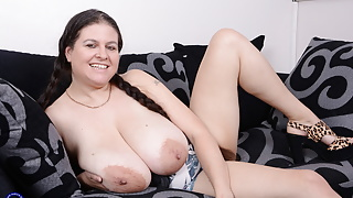 British big breasted step mom and housewife Denise Davies with