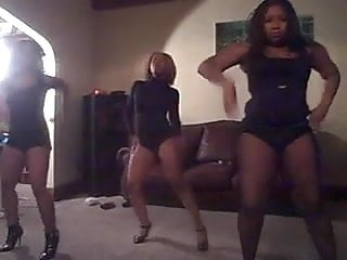Sexy dancing for women - 3 hot ebony women dance very sexy
