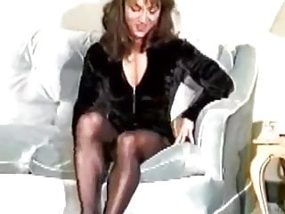 Strong milf femdom photos - Strong calf muscles and thighs in pantyhose