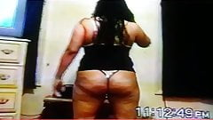 Thick chick bouncing hee ass and pussy lips open