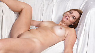 American milf Phoebe Waters plays with pussy and nipples