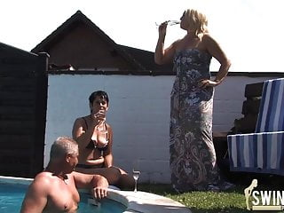 Www housewives 1 on 1 sex Housewives with huge tits part 1