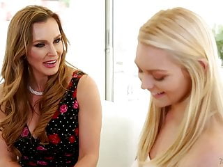 Strip tate nail - Mommys girl - tanya tate and alli rae