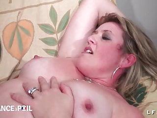 Gross xxx - Bbw grosse cougar fistee et sodomisee