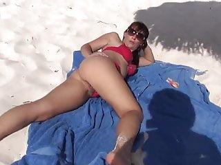 En foto la playa voyeur Esposa en la playa
