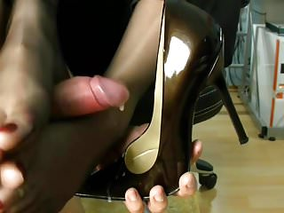 Shoe sex cum tgp - Cum on shoes and legs