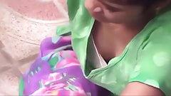 indian teen cleavage boobs