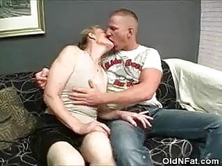 Hairy pussy to suck - Hairy pussy granny stripped and cock sucks