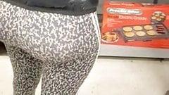 Fat ass in cheetah leggings