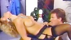 Cheri Taylor - Bimbo with a Bangin' Bod