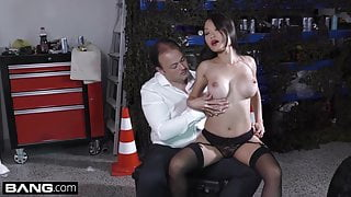 Beautiful Asian Pussykat gets out of jail by fucking the cop