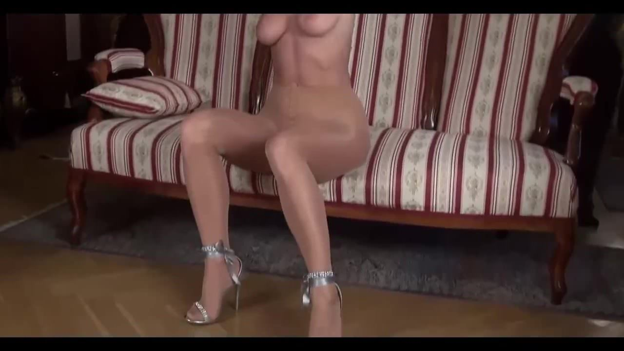 Sexy Teen Girl Strip Tease