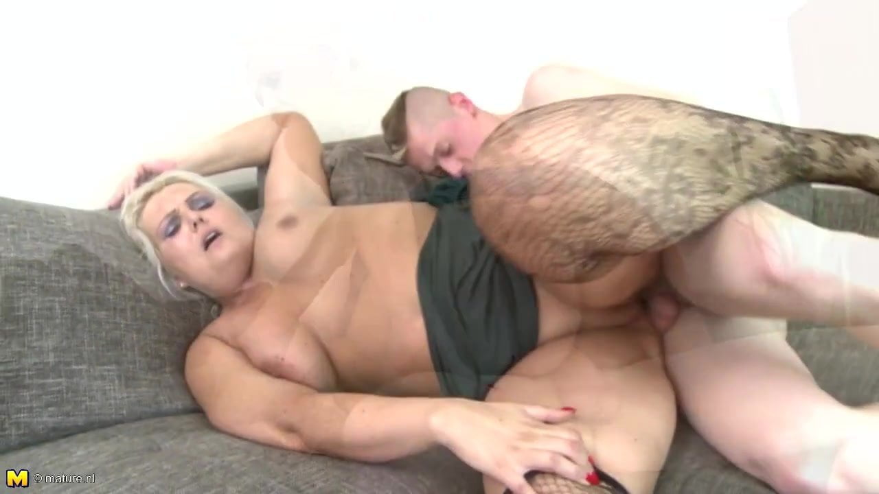 Nl Mature Tube booty mature mom suck and fuck not her son