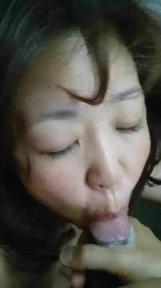 College Party Cum Swallow