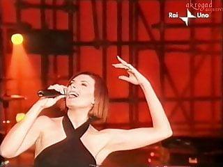 Donne cantante famosa porno Silvia mezzanotte. cantante italiana. trasparenze culo